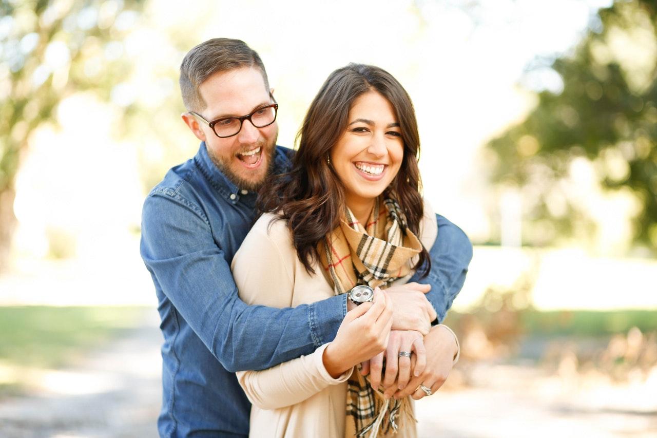 外人と国際結婚した人たちの笑顔
